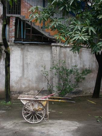 Chinese wheelbarrow photo.JPG