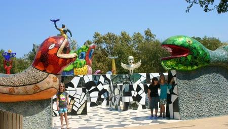 The coolest mosiac sculptures
