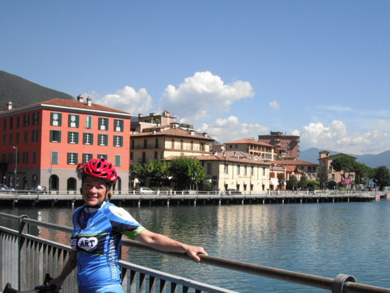 Couple's cycling italy
