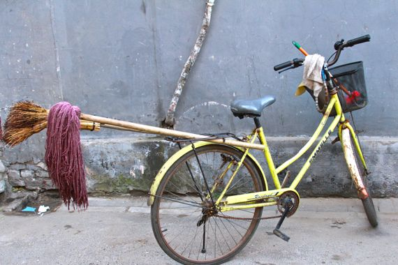 China cleaning bicycle