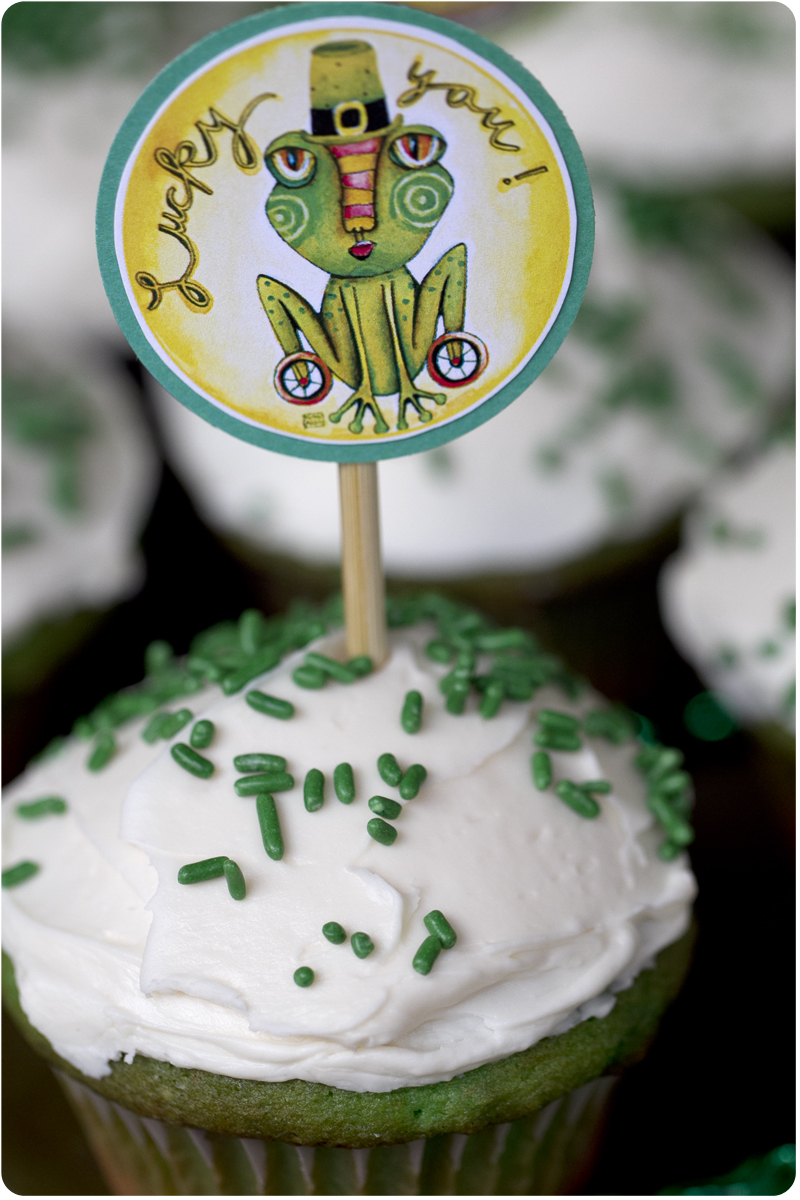 St. patrick's cupcake toppers