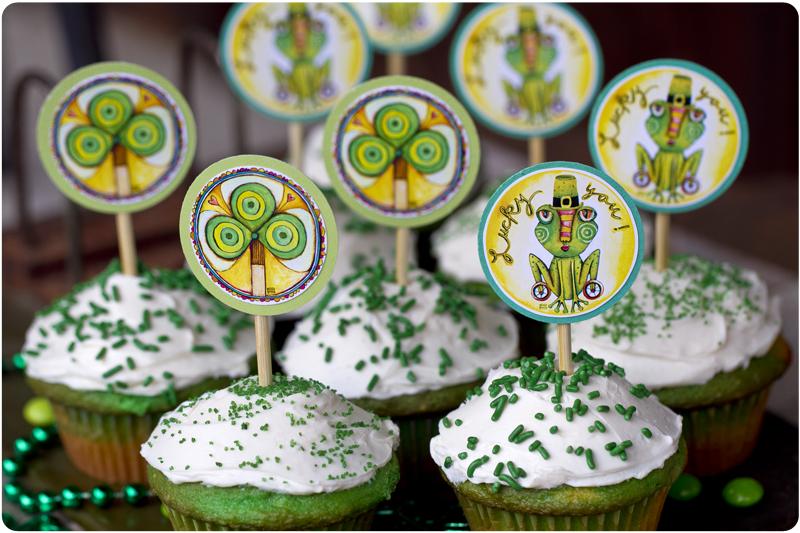 Clover cupcake topper