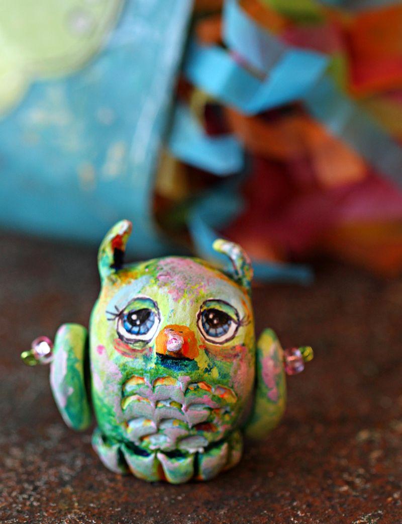 Artist tammy mcgee sculpted owl
