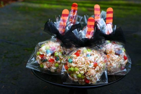 Cutest popcorn balls