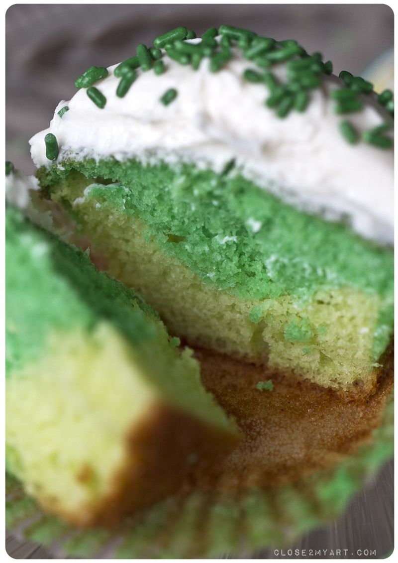 St patrick's day cupcakes green