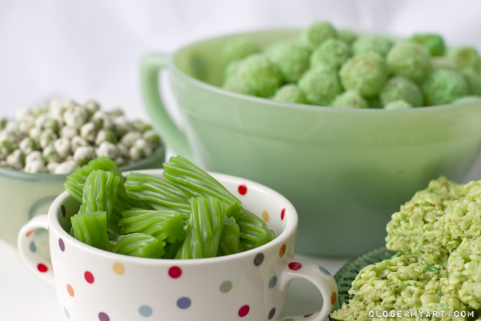 Green st. patrick's day party snacks
